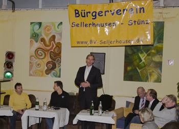 v.l.n.r.: Stadtrat Holger Gasse, Axel Kalteich, OBM Jung, Vertreter der Stadt Leipzig